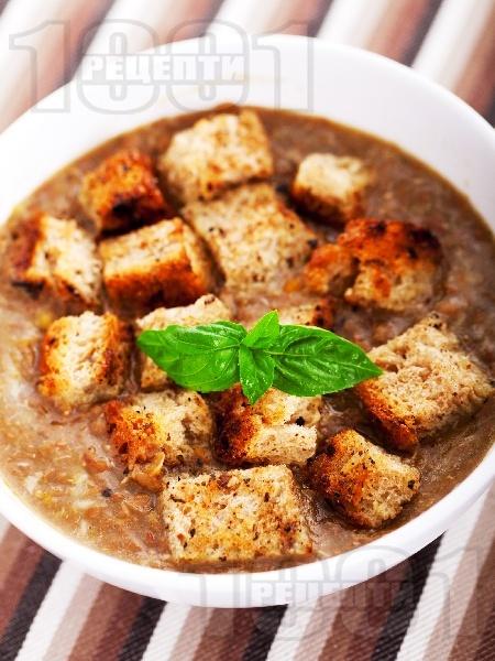 Италианска супа от леща с крутони и сирене - снимка на рецептата